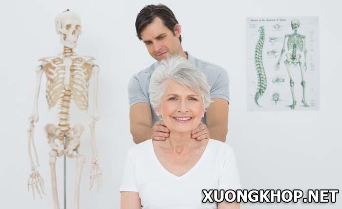 Bệnh vôi hóa cột sống và cách điều trị bằng phương pháp cắt bảng sống 3