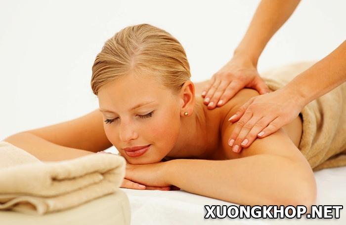 Học cách bấm huyệt, massage giúp người thân điều trị vôi hóa đốt sống cổ tại nhà hiệu quả 3