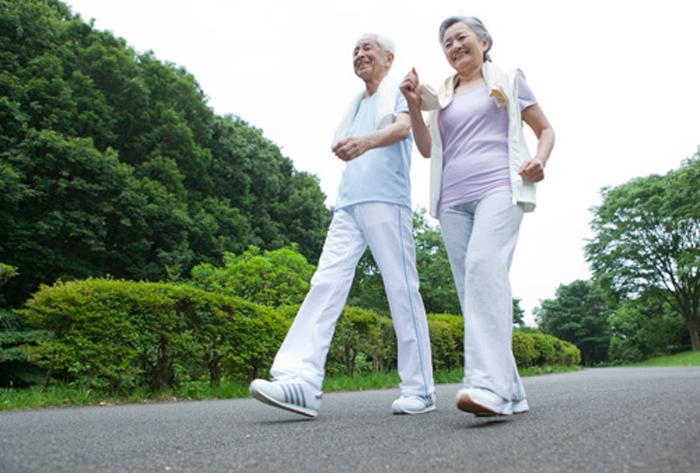 Thoát vị đĩa đệm có nên đi bộ không? Một vài lưu ý người bệnh cần quan tâm. 1