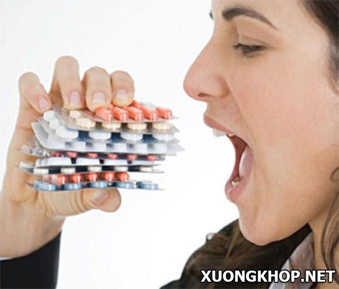 Thoái hóa cột sống cổ uống thuốc gì? Thuốc tân dược, đông y loại nào tốt hơn 1