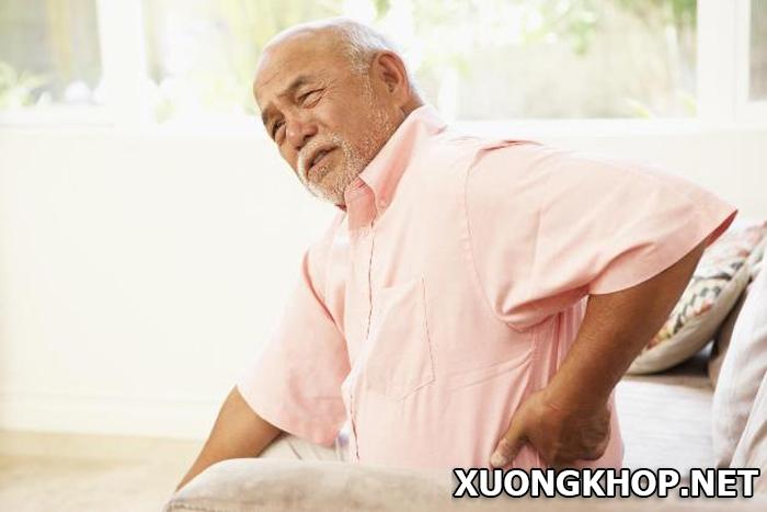 Thoái hóa cột sống người già, nỗi lo thường trực khi ở tuổi xế chiều 1