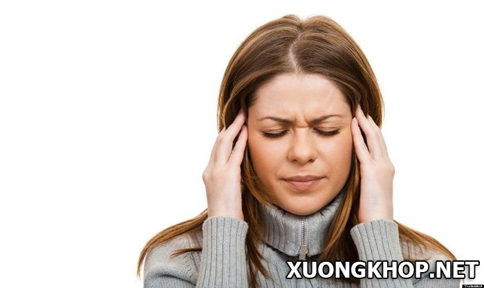 Thoái hóa đốt sống cổ gây đau đầu 1