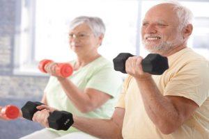 Bệnh thoái hóa khớp ở người già điều trị như thế nào?