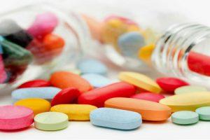 Tìm hiểu về các loại thuốc dùng trong điều trị thoát vị đĩa đệm