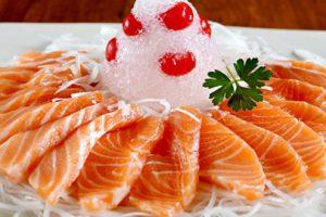 Chế độ ăn uống và sinh hoạt giúp phòng tránh vôi hóa cột sống