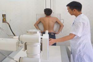 Đau nhức thắt lưng có phải là bị vôi hóa cột sống không?