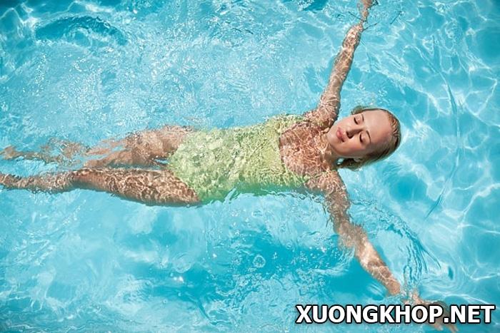 Đi bơi chữa thoát vị đĩa đệm có tin được không? Những lợi ích khi đi bơi mang lại. 1