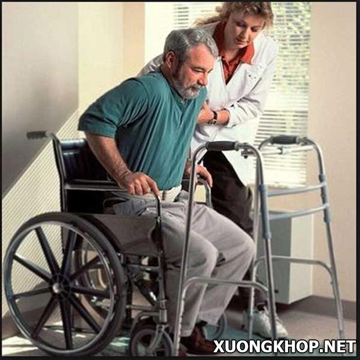 Hệ lụy nguy hiểm khi chữa bệnh thoái hóa đốt sống lưng muộn- không đúng cách 1