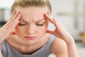 Nhức đầu, đau chân - Triệu chứng không thể xem thường của bệnhvôi hóa cột sống