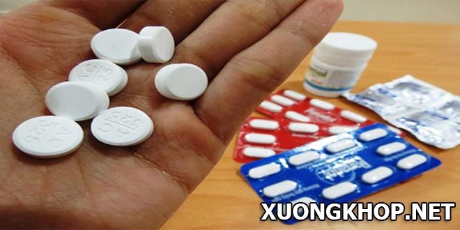 Thoái hóa cột sống nên uống thuốc gì? 2 nhóm thuốc tân dược chính cần biết