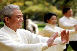 2 cách chữa đau gai cột sống ở người già hiệu quả 100%