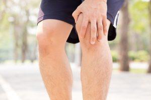 Bệnh sưng đau lồi củ trước xương chày là gì và cách điều trị như thế nào