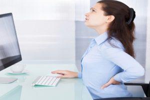 Bị đau lưng khi ngồi lâu 3 nguyên nhân cần biết để tránh ngay lập tức
