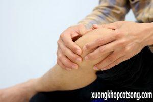 Bấm huyệt huyết hải chữa bệnh đau khớp gối hiệu quả 1