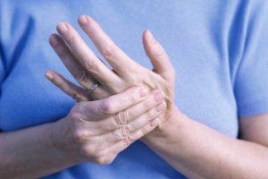 Chế độ dinh dưỡng thích hợp cho người bệnh đau khớp