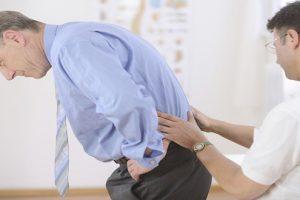 Đau lưng quá phải làm sao? Cách để nhanh hết đau lưng?
